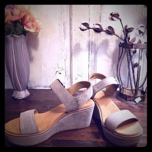 Clark's Aisley Orchid Wedge Sandals (wide)